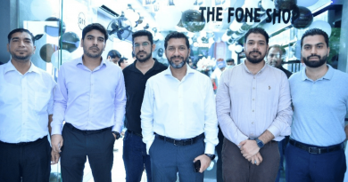 New Samsung Experience Stores Open in Lahore's Hafeez Center